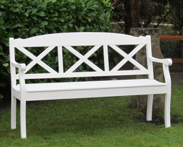 Wetterfeste Gartenbank weiß lackiert aus Hartholz - Friesenbank in ...